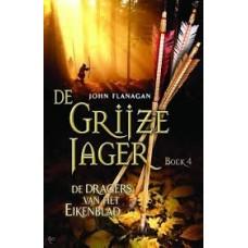 Flanagan, John: De grijze jager boek 4: de dragers van het eikenblad