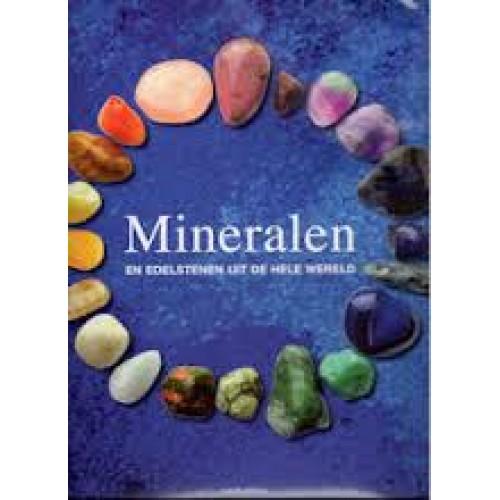 mineralen en edelstenen uit de hele wereld
