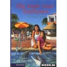 Daniels, Lucy: Op zoek naar de Dolfijnen, Gevangen